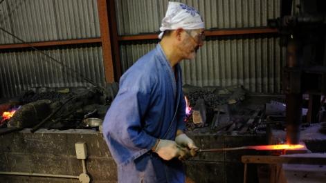 workshop kurogane otoya japan tradtional ironmaking blacksmithing (3)