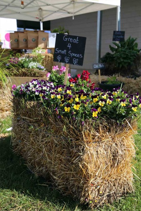 hay bale gardens, straw gardens